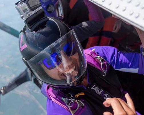 sisters-in-skydiving-2016.png