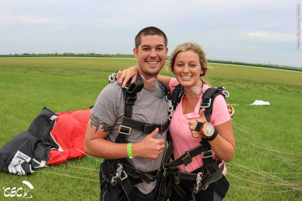 tandem-skydiving-landing