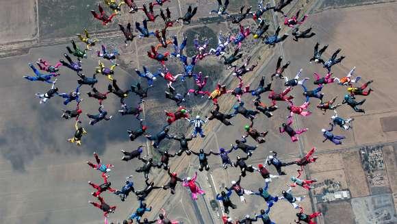 largest freefall formation female _tcm25-440775